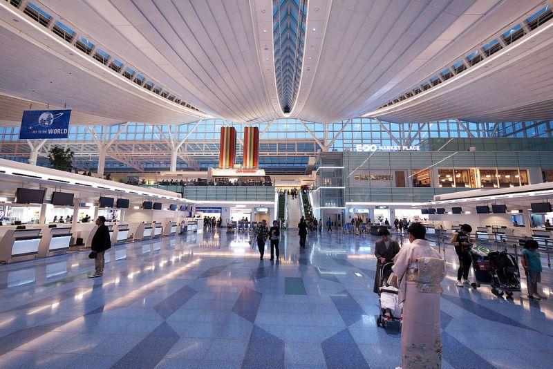 5º - Aeroporto Internacional de Tóquio, no Japão. A quantidade de passageiros deste espaço (quase 80 milhões), somado ao de Haneda, faz da cidade a terceira em movimentação de viajantes no mundo - かがみ~ on VisualHunt.com / CC BY-NC-ND - かがみ~ on VisualHunt.com / CC BY-NC-ND/Rota de Férias/ND