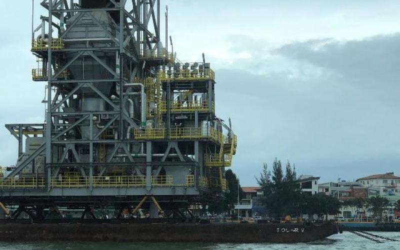 Resultado de imagem para Petrobras r módulos da P-71 após naufrágio de balsa