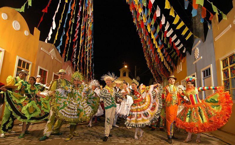 As comemorações de São João invadem o País no período de junho. Um dos mais conhecidos é a festa da Cidade de Campina Grande, na Paraíba - Pixabay - Pixabay/Rota de Férias/ND