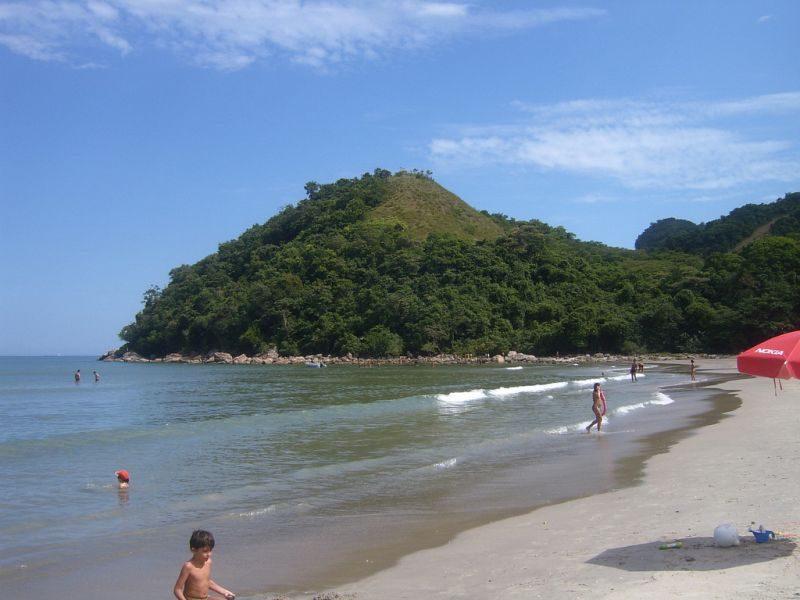 Guaecá. Essa praia também é mais afastada, e está na rota de quem tem como destino Ilhabela. O mar em Guaecá é quase sempre calmo e a areia é boa para caminhada - Arthur Zapparoli on VisualHunt / CC BY-NC-SA - Arthur Zapparoli on VisualHunt / CC BY-NC-SA/Rota de Férias/ND