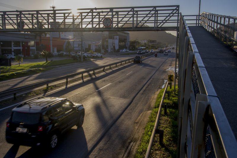 Reivindicada pela comunidade, criação de duas novas passarelas de pedestres também integram projeto de melhorias. - Foto Flavio Tin/ND