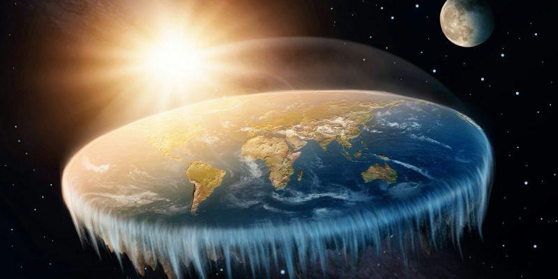 """Teoria da Terra Plana: A ideia não surgiu na internet, mas se popularizou rapidamente por conta dela. De acordo com os defensores dessa tolice, a Terra não é esférica, mas plana. Alguns defendem que a Bíblia dá sinais de que o planeta é achatado. Ainda de acordo com terraplanistas, a NASA esconde a verdade. Nem as centenas de fotos do espaço conseguem fazê-los """"acreditar"""" no heliocentrismo - Crédito: reprodução YouTube/33Giga/ND"""