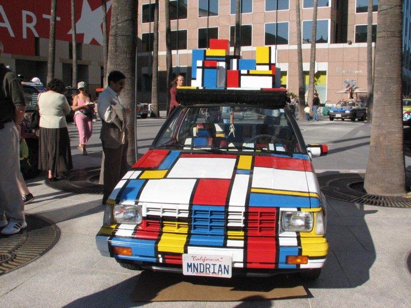 Este Nissan Sentra 1984 foi inspirado nas obras de Piet Mondrian - Foto: 1lenore via Visualhunt.com / CC BY - Foto: 1lenore via Visualhunt.com / CC BY/Garagem 360/ND