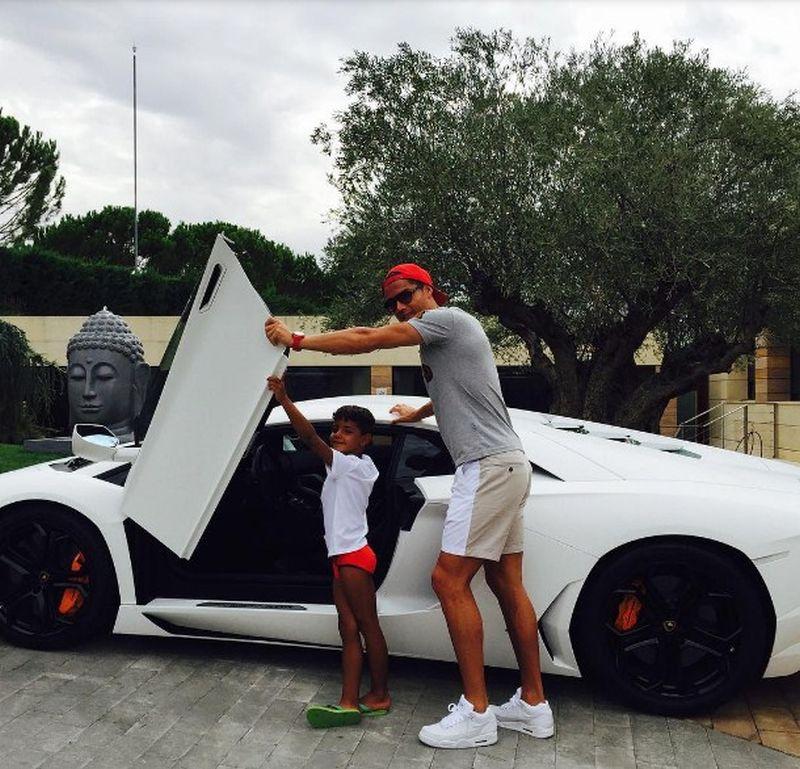 Cristiano Ronaldo - Lamborghini Aventador - Foto: Reprodução/Instagram - Foto: Reprodução/Instagram/Garagem 360/ND