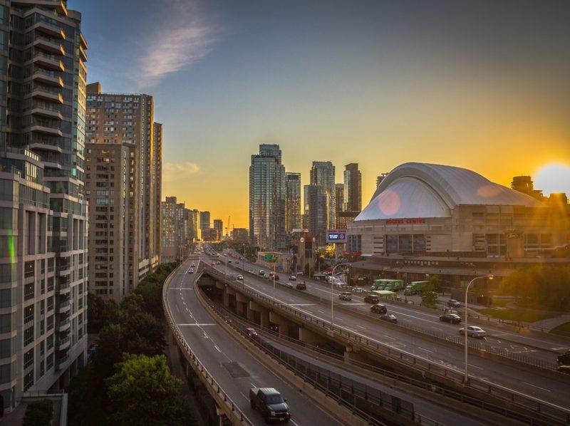 A Pride Toronto, no Canadá, será realizada no dia 23 de junho, mas durante o Mês do Orgulho LGBT ocorrerão diversos eventos para a comunidade - Free-Photos por Pixabay - Free-Photos por Pixabay/Rota de Férias/ND
