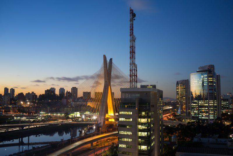 A Parada LGBT de São Paulo é a maior de todo mundo, e já recebeu mais de 4 milhões de pessoas. Em 2019, ela será realizada em 23 de junho - Gordon-Shukwit on Visual hunt / CC BY-NC-ND - Gordon-Shukwit on Visual hunt / CC BY-NC-ND/Rota de Férias/ND