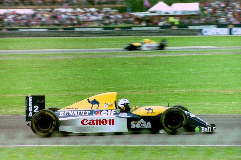 """No começo dos anos 1990, a Sega lançou seu principal mascote, o Sonic. Por ser o ouriço mais rápido do mundo, nada mais justo que colocá-lo para """"acelerar"""" o melhor carro da época, o Williams FW15C de 1993, que deu o quarto título mundial para Alain Prost - - /Garagem 360/ND"""