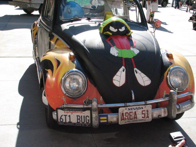 O dono deste Volkswagen Fusca usou o veículo para fazer uma homenagem ao personagem Marvin, o Marciano - Foto: 1lenore via Visualhunt.com / CC BY - Foto: 1lenore via Visualhunt.com / CC BY/Garagem 360/ND