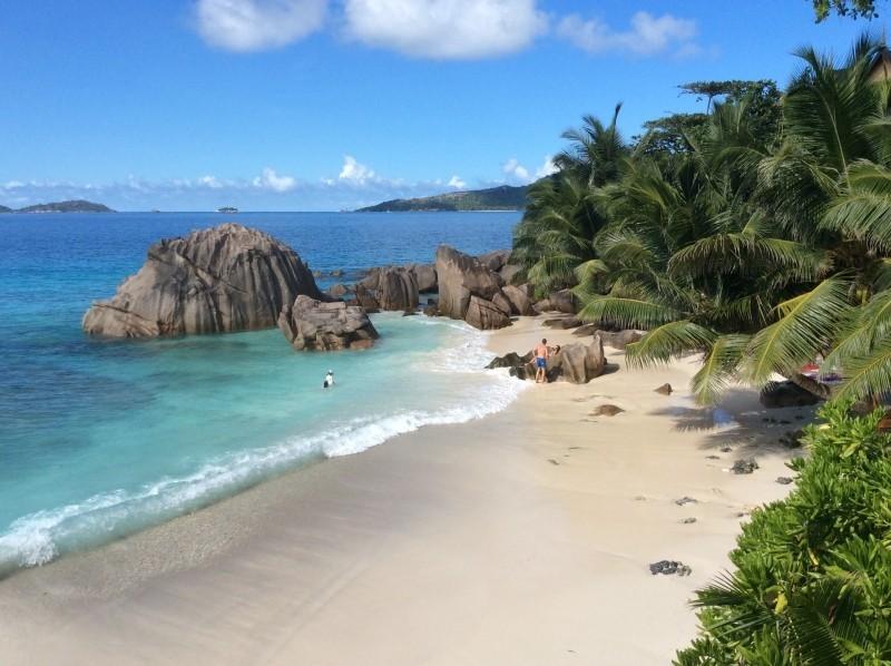 Em 2011, o príncipe William e a duquesa de Cambridge, Kate Middleton, passaram a lua de mel no arquipélago de Seychelles. A beleza natural é tão grande que os nativos acreditam que o lendário Jardim do Éden ficava em uma das ilhas. O lugar é chamado de Vallée de Mai - VisualHunt.com - VisualHunt.com/Rota de Férias/ND