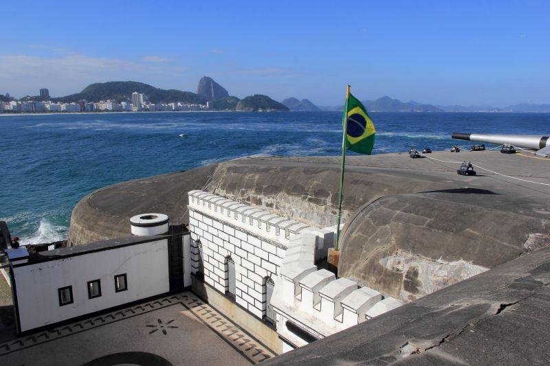 Vale a pena visitar o Forte de Copacabana, relaxar na filha da Cafeteria Colombo e observar a natureza ao redor - Wikimedia/Halley Pacheco de Oliveira - Wikimedia/Halley Pacheco de Oliveira/Rota de Férias/ND