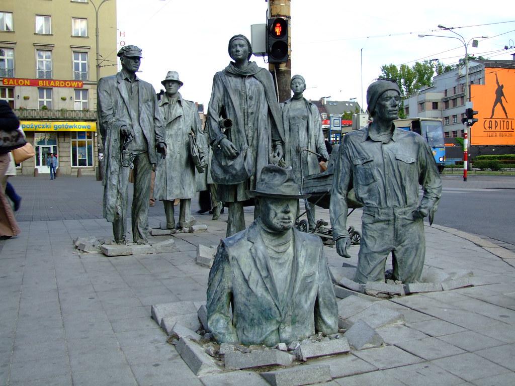 The Anonymous Pedestrians, Polônia - peregrinari on Visual Hunt / CC BY-NC-SA - peregrinari on Visual Hunt / CC BY-NC-SA/Rota de Férias/ND