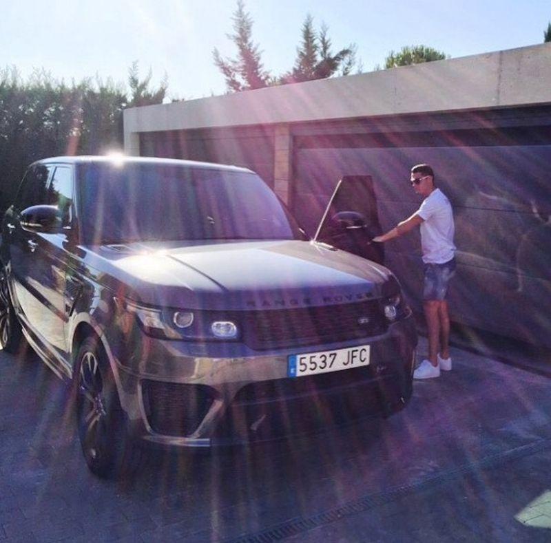 Cristiano Ronaldo - Land Rover Range Rover Sport SVR - Foto: Reprodução/Instagram - Foto: Reprodução/Instagram/Garagem 360/ND