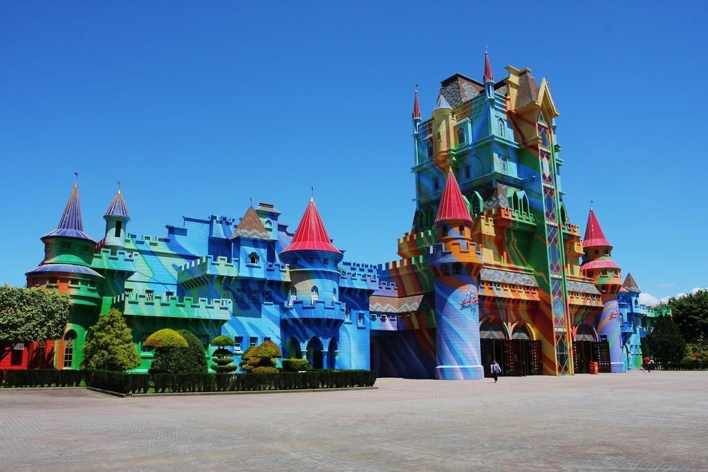 Com estilo medieval, o Castelo das Nações é um dos símbolos do parque e a porta de acesso ao Beto Carrero World - Divulgação - Divulgação/Rota de Férias/ND