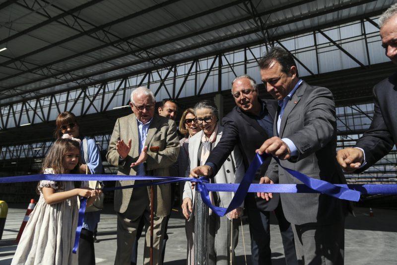 Empresário Cesar Gomes Júnior e governador Carlos Moisés descerraram fita inaugural. Foto: Anderson Coelho/ND
