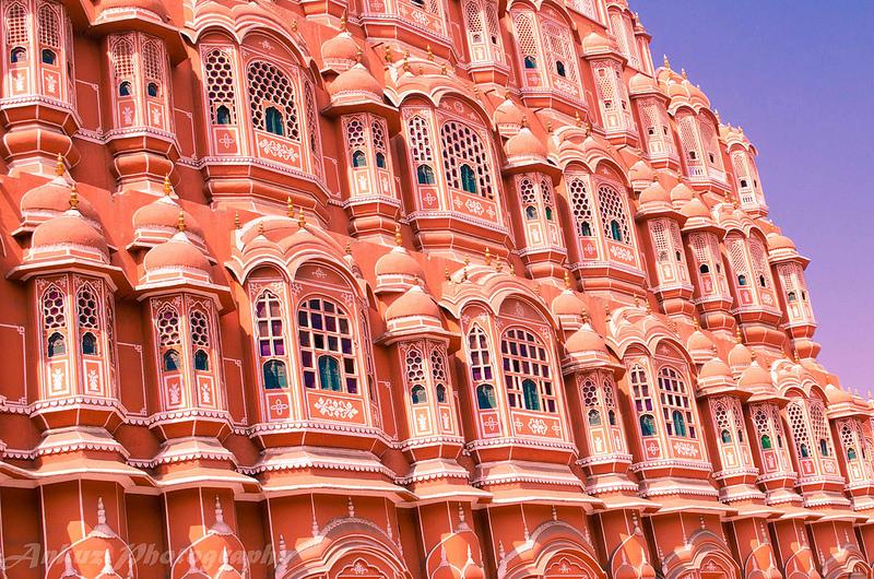 """Jaipur, na Índia, foi pintada de rosa para receber a visita do Príncipe Albert, do Reino Unido, em 1876. A cor é usada nas construções até hoje e rendeu ao local o apelido de """"Cidade Rosa"""" - ankuz via VisualHunt / CC BY - ankuz via VisualHunt / CC BY/Rota de Férias/ND"""