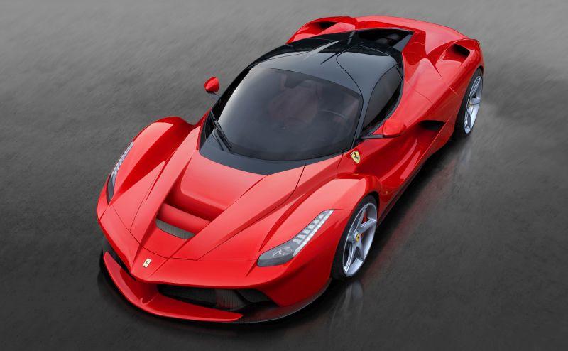 Hamilton também é proprietário de uma Ferrari LaFerrari - Foto: Divulgação - Foto: Divulgação/Garagem 360/ND