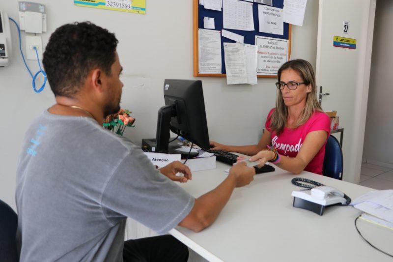 Para conseguir o atendimento, a pessoa deve ir a uma das três unidades de saúde cadastradas no programa com a carteira de identidade e o cartão do SUS – Divulgação PMF
