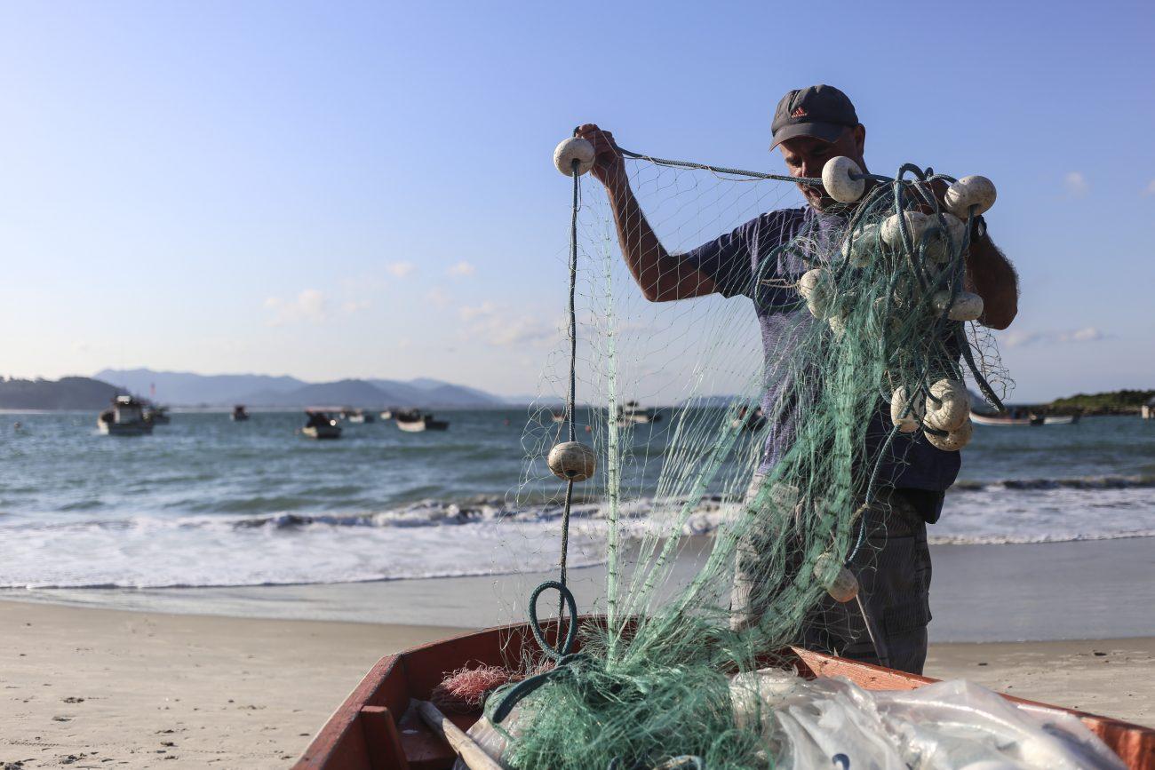 Mesmo com a queda das temperaturas, lanços de tainha estiveram muito abaixo da expectativa inicial - Marcio Manoel da Silva_Dia do pescador - Armação_Anderson Coelho_4847