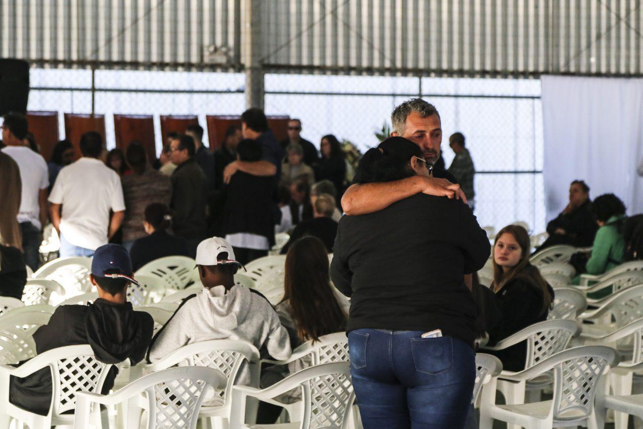 Muita emoção e comoção na despedida - Anderson Coelho/ND