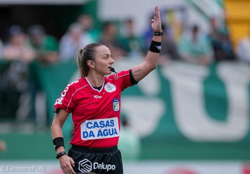 Charly Wendy é a única árbitra brasileira no quadro da Libertadores da América feminina deste ano – Foto: Arquivo pessoal/divulgação/ND