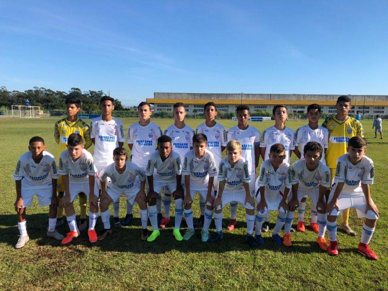 Garotada do sub-13 antes de mais um jogo pelo Campeonato Catarinense – Pedro Henrique/Avaí Mirins/ND