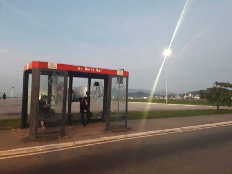 Paralisação do transporte público da Grande Florianópolis também complica a vida de moradores de São José - Caroline Borges/RICTV