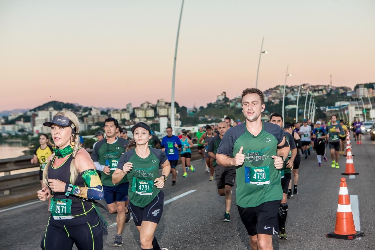Competidores foram premiados com uma linda manhã em Florianópolis - Daniel Werneck/divulgação/nd