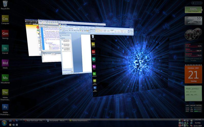 Windows Vista – Janeiro de 2007: Com um visual moderno que apostou na transparência e recursos visuais bem chamativos, como gadgets na Área de Trabalho, o SO recebeu duras críticas dos consumidores. A principal queixa era por conta do User Account Control (Controle de Contas do Usuário), que exibia telas de confirmação em todas as operações administrativas executadas. - Crédito: By Alex Brewer via Flickr/33Giga/ND