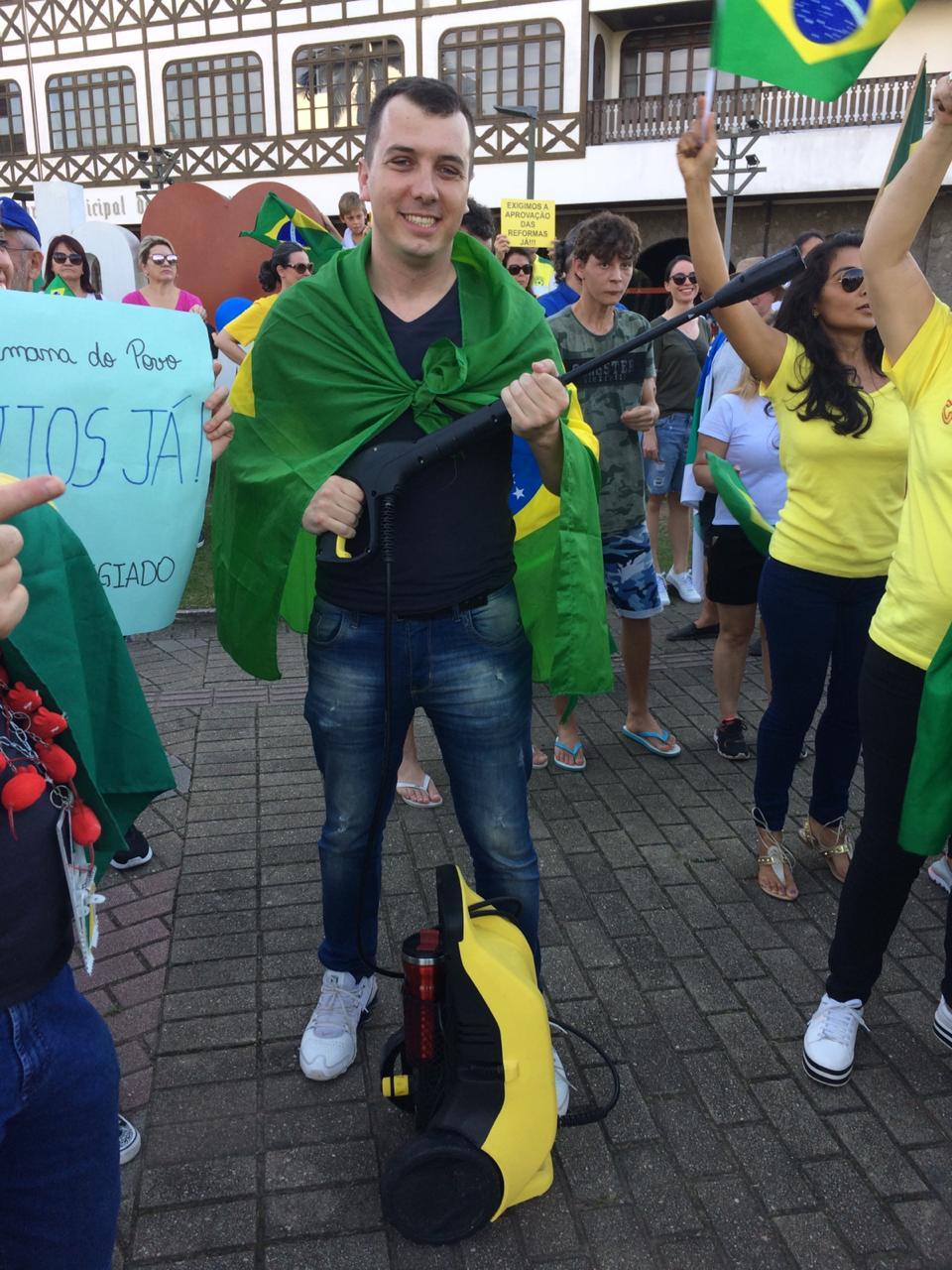 Manifestação em Blumenau - RICTV