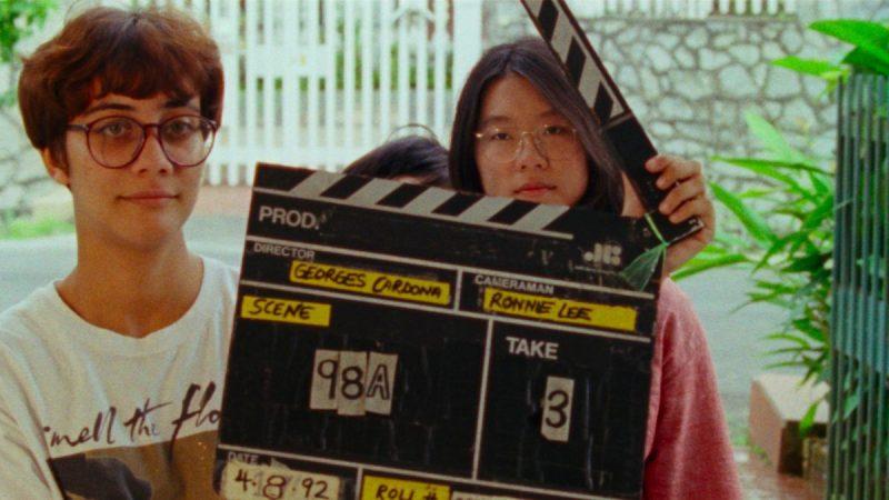 Shirkers: O Filme Roubado (2018) – Em 1992, Sandi Tan e suas amigas fizeram um filme inusitado nas ruas de Singapura. Mas o filme desapareceu, e ela saiu em busca de respostas. - Crédito: Divulgação/33Giga/ND