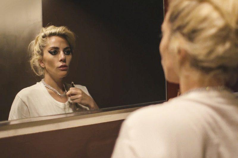 """Gaga: Five Foot Two (2017) – Acompanhe a controversa Lady Gaga durante o lançamento do álbum """"Joanne"""", nos preparativos do show do Super Bowl LI e confrontando desafios físicos e emocionais. - Crédito: Divulgação/33Giga/ND"""