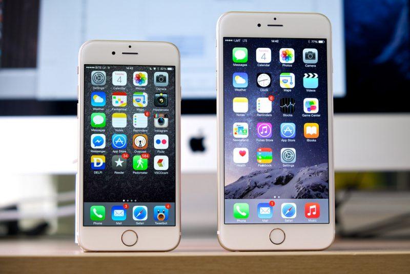 iPhone 6 e 6 Plus – Setembro de 2014: Apresentados juntos, os modelos atenderam aos pedidos dos usuários e ganharam telas maiores. Enquanto o 6 foi lançado com 4,7 polegadas, o Plus tinha 5,5. Incorporou uma nova opção de memória, 128 GB, e recursos inéditos, como iCloud Drive (sistema de armazenamento de arquivos na nuvem) e ApplePay (recurso NFC para usar como cartão de crédito). - Crédito: Janitors via Visualhunt.com /33Giga/ND