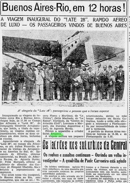Diário da Noite, de 17/04/1930 noticia o pernoite de Saint-Exupéry em Florianópolis. Piloto está no centro da fotografia. - Diario da Noite/Divulgação