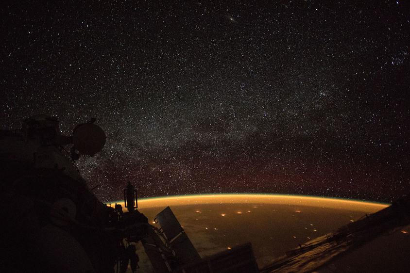 Um astronauta a bordo da Estação Espacial Internacional (ISS) disparou esta fotografia enquanto orbitava a uma altitude de mais de 400 quilômetros (250 milhas) sobre a Austrália - (NASA)/33Giga/ND