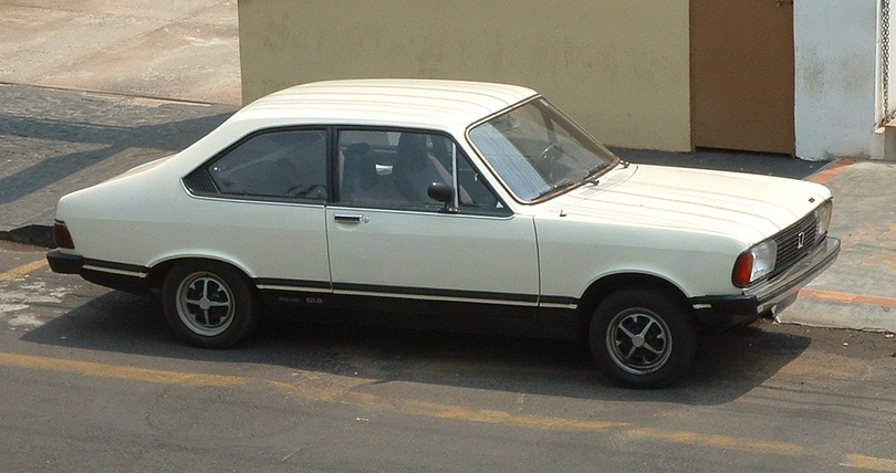 Concorrente do Chevrolet Chevette, o Dodge Polara foi rebatizado em 1976 e manteve o nome até o fim da linha, em 1981 - Foto: By Bruno Kussler Marques from Uberlandia, Brazil - Flickr, CC BY 2.0, https://commons.wikimedia.org/w/index.php?curid=985676 - Foto: By Bruno Kussler Marques from Uberlandia, Brazil - Flickr, CC BY 2.0, https://commons.wikimedia.org/w/index.php?curid=985676/Garagem 360/ND
