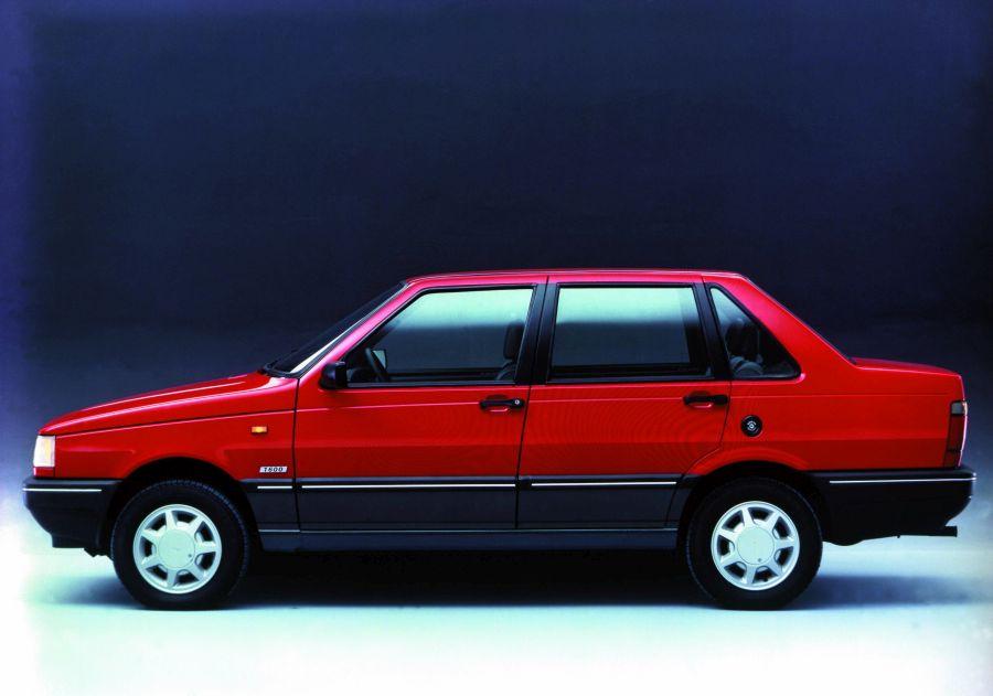 No fim de sua produção, em 1995, o Premio vinha importado da Argentina, onde sempre se chamou Duna; com o baixo volume de vendas, a Fiat decidiu manter o nome argentino no modelo - Foto: Divulgação - Foto: Divulgação/Garagem 360/ND