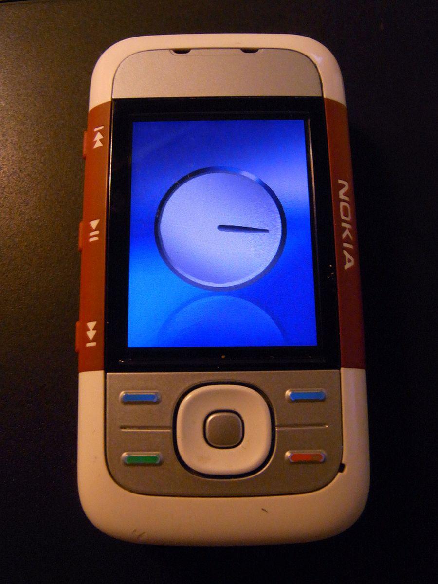 Mais um modelo da linha Xpress Music, da Nokia. - Crédito: brandsvig via Visualhunt.com / CC BY-NC-ND/33Giga/ND