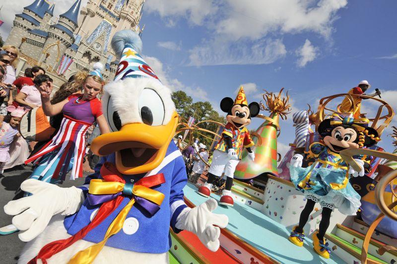 Os principais parques de diversões de Orlando - De longe, o Disney Magic Kingdom é o parque de diversões mais famoso de Orlando. Independentemente da idade, muita gente se emociona ao ver o famoso castelo do complexo ao vivo - Divulgação - Divulgação/Rota de Férias/ND
