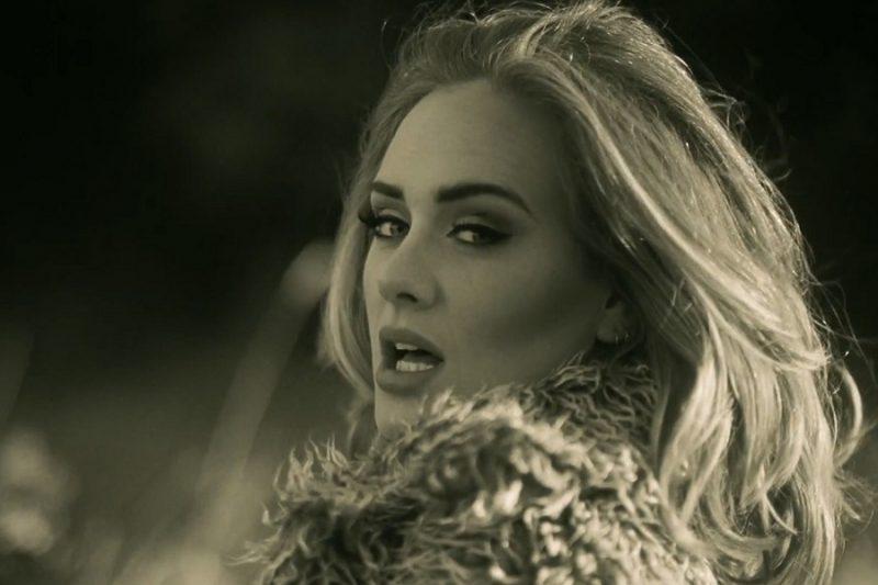 16. Adele – Hello (http://bit.ly/2EX7s9Q): 2,49 bilhões de visualizações - Crédito: Reprodução YouTube/33Giga/ND