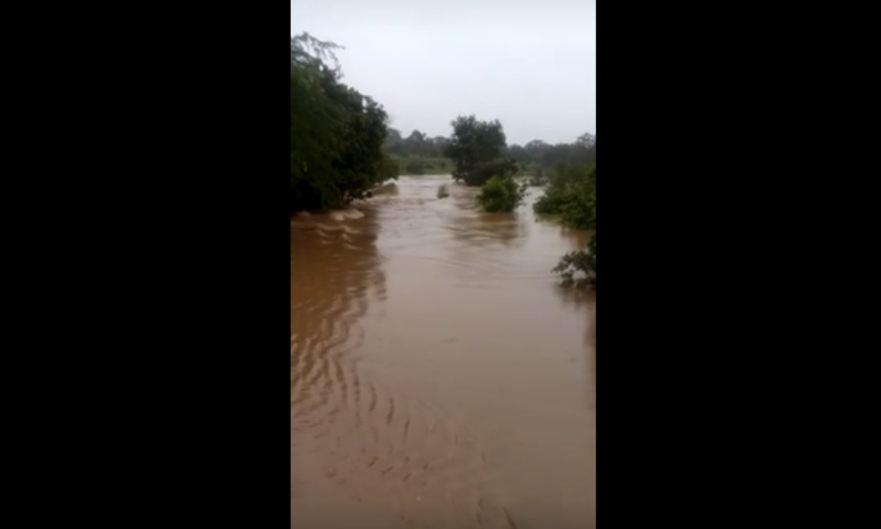 Devido ao alto volume de água, a barragem ultrapassou o limite e transbordou - Reprodução/YouTube