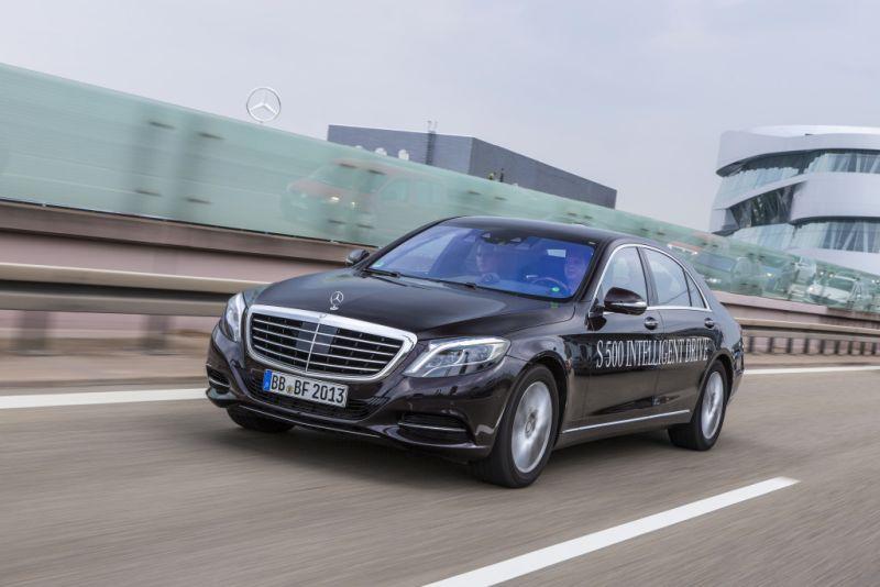 A Mercedes-Benz também entrou na onda dos autônomos com o projeto S 500 Intelligent Drive - Foto: Divulgação - Foto: Divulgação/Garagem 360/ND