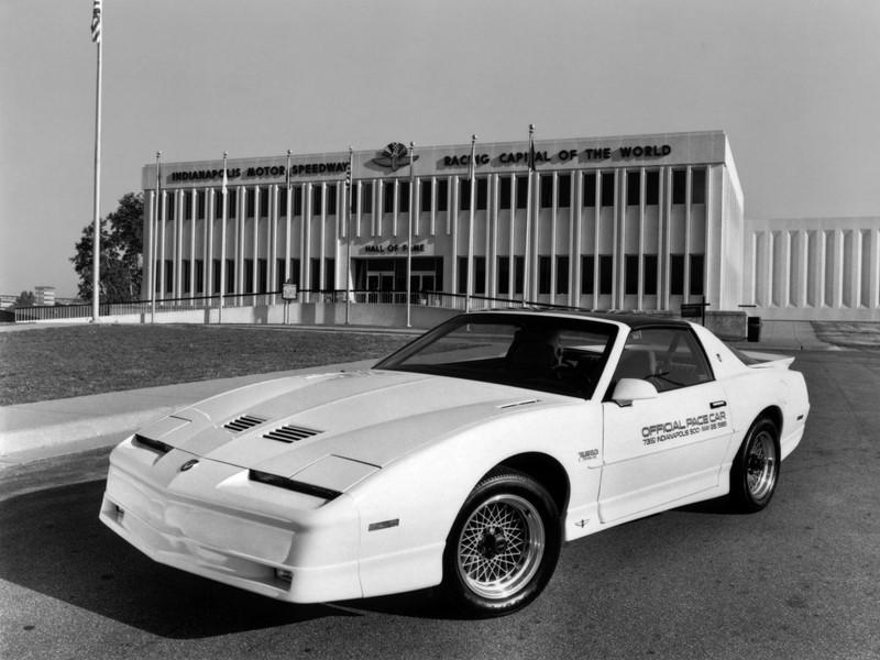 No ano da primeira vitória de Emerson Fittipaldi, em 1989, o Pontiac Firebird Trans Am Turbo foi o modelo selecionado - Foto: Divulgação - Foto: Divulgação/Garagem 360/ND