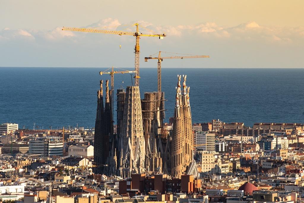 Sagrada Famíla - Barcelona, Espanha - Zsuzsanna Tóth por Pixabay - Zsuzsanna Tóth por Pixabay/Rota de Férias/ND