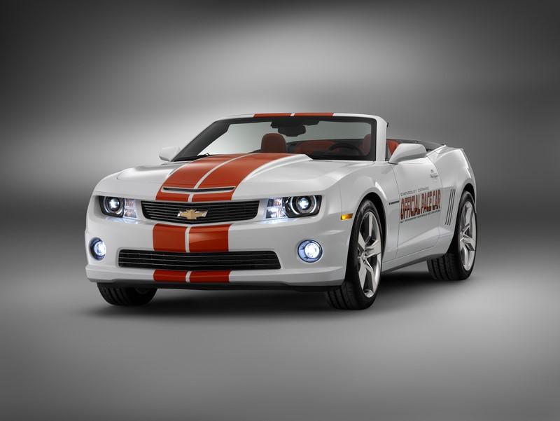 Em 2011, foi a vez do Chevrolet Camaro SS ser o pace car da corrida - Foto: Divulgação - Foto: Divulgação/Garagem 360/ND