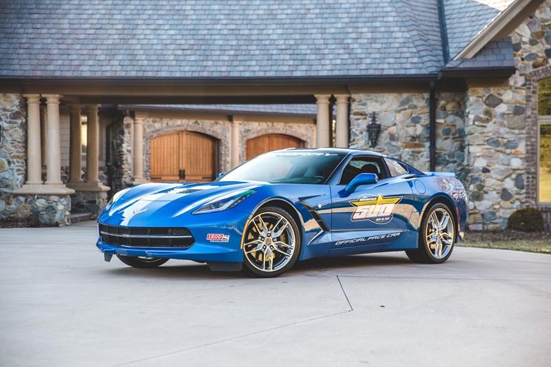 Em 2013, ano da última vitória brasileira nas 500 milhas de Indianápolis, com Tony Kanaan, o Chevrolet Corvette foi o pace car - Foto: Divulgação - Foto: Divulgação/Garagem 360/ND