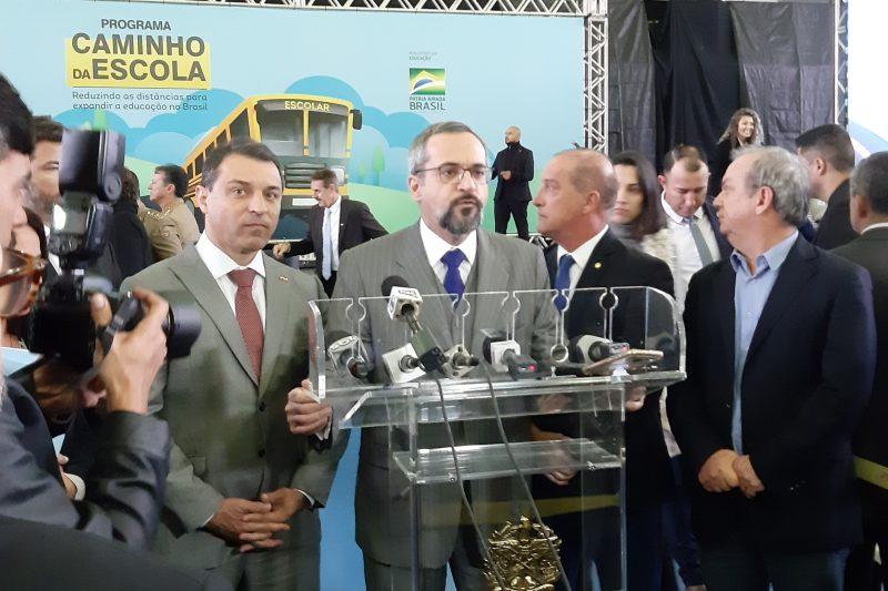 Carlos Moisés, Abraham Weintraub, Onyx Lorenzoni e deputado Rogério Peninha Mendonça concedem entrevista coletiva - Altair Magagnin/ND