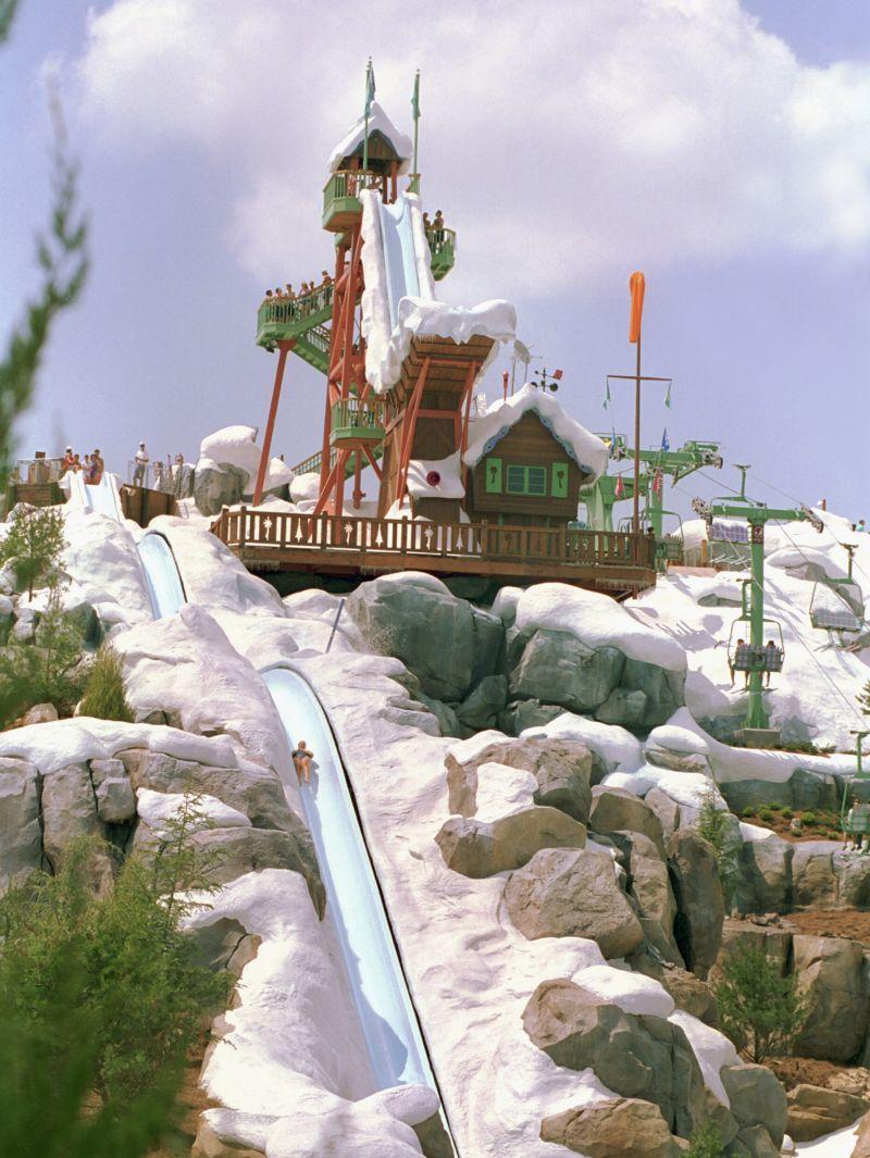O Disney's Blizzard Beach é uma mistura de verão com inverno. O parque aquático temático é inspirado em um ambiente que passou por uma forte nevasca e agora está em fase de degelo - Divulgação - Divulgação/Rota de Férias/ND