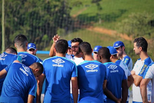 Alberto Valentim em seus primeiros contatos com o grupo do Avaí; intertemporada em Águas Mornas - André Palma Ribeiro/Avaí FC