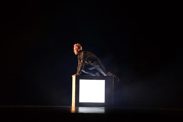 """""""Ponto ZIP"""", Grupo de Competição Cultura do Gueto: 2º Lugar Danças Urbanas l Solo Masculino l Sênior - Nilson Bastian / Festival de Dança / Divulgação"""