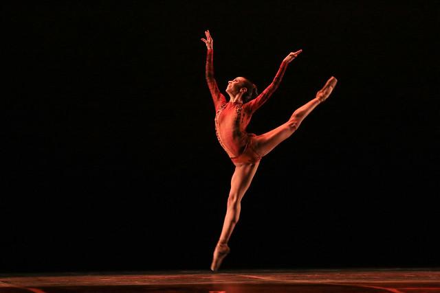"""""""Cinestesia"""", Grupo Jovem Cultural de Dança: 1º Lugar Balé Neoclássico l Solo Feminino l Júnior - Maykon Lammerhirt / Festival de Dança / Dilvugação"""